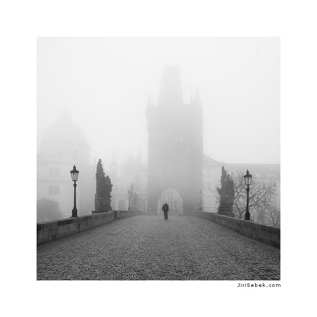 Karlův most v mlze 3