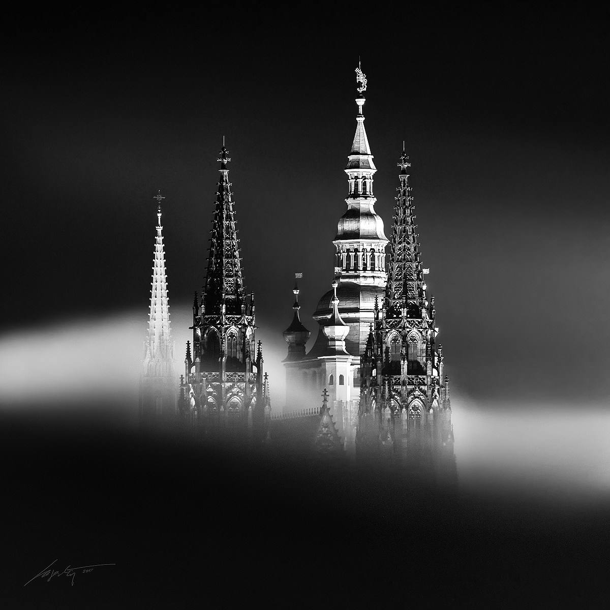 --Foggy Cathedral--